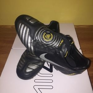 Nike Shoes - Nike T 90's